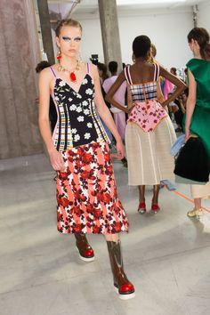 Marni Spring 2018 Ready-to-Wear  Fashion Show Beauty