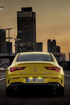 Mercedes Benz, Mercedes Models, Console Centrale, Sports Sedan, Cute Cars, Willis Tower, Exotic Cars, Cars, Custom Cars