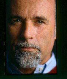 Antonio Ricci è un autore televisivo e produttore televisivo italiano nato ad Albenga nel 1950