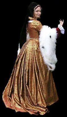 Lovely Tudor costume reconstruction