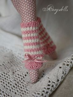 Leg warmers for your doll - too cute!
