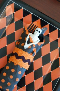 its the little touches that make a party successful so if youre planning a halloween bash why not make paper napkin rings to dress up your table