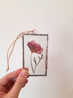 #moliaflorals #pressedflowers #handmade #etsy Flower Artwork, Pressed Flower Art, Art Pictures, Find Art, Poppies, Etsy Seller, Unique Jewelry, Handmade Gifts, Flowers