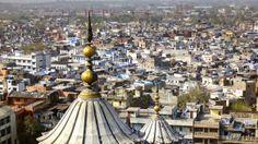 Nueva Delhi - Es lacapitalde la república de laIndiay sede del poder ejecutivo, legislativo y judicial delGobierno de la India. Tiene11.070.654 habitantes.