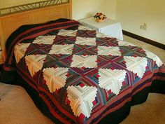 Log Cabin Quilt -- outstanding adeptly made Amish Quilts from Lancaster (hs208)