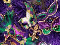 Na sexta-feira, dia 17, a Praça da Mandioca é transformada no reino do Carnaval 2014.  O concurso para a escolha da Rainha e do Rei Momo acontece a partir das 19h30. A entrada é Catraca Livre.