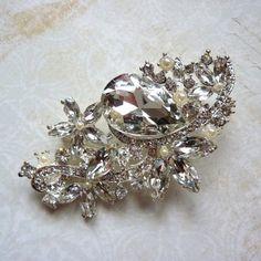 Beautiful ExLarge Clear Crystal Pearl by PearlsBlingsNThings, $8.90