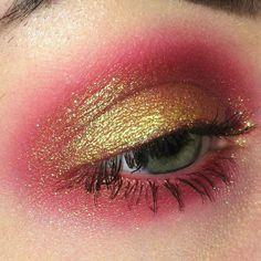 pink and gold smokey eye