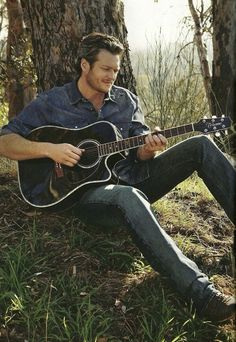 Yes it is Blake Shelton but I like the pose for a senior.