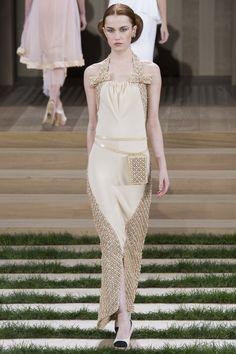 Chanel Spring 2016 Haute Couture Collection | GeorgiaPapadon
