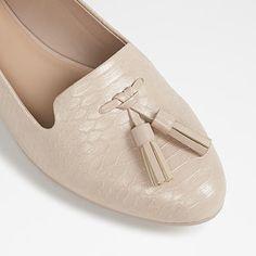 Also at http://www.thebay.com/webapp/wcs/stores/servlet/en/thebay/shoes/auchi-tassel-loafers-0600089021895--24