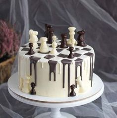 "We have collection of stunningly beautiful cake decorating to help inspire your baking passions and delight to the guest of honor. Take a look at the gallery board ""Cake Designs"" Fancy Cakes, Cute Cakes, Pretty Cakes, Food Cakes, Cupcake Cakes, Cake Fondant, Cake Cookies, Chess Cake, Bolo Cake"