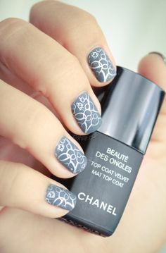 bubbles and charcoal gray nails