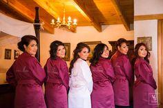 También tenemos batas para las damas, mamás, hermanas, abuelas, dama de honor, tías etc .. Darling Bride son personalizadas, es decir, se puede elegir el color y el texto del bordado ... hacemos envíos a todo México y el extranjero a través de nuestra tienda en línea #bodas #Batasdamas #BatasBridesmaids #BataMamádelanovia #BatasMotherofthebride #ArregloNovia  https://www.kichink.com/stores/darlingbride