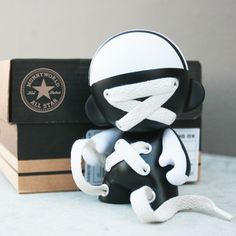 Lace-Up Munny
