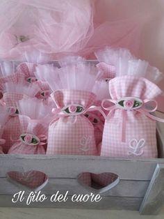 Creative Gift Wrapping, Creative Gifts, Sachet Bags, Fabric Gift Bags, Lavender Bags, Confetti, Ideas Para Fiestas, Wedding Art, Potpourri
