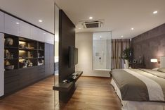 Best 12 Interesting partition design to walk-in wardrobe. But whats more interesting is the glass panel at the far end looking into the bathroom. Bedroom Closet Design, Home Room Design, Modern Bedroom Design, Master Bedroom Design, Home Decor Bedroom, Modern Interior Design, Closet Behind Bed, Bedroom Wardrobe, Bedroom Layouts