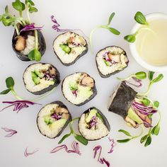Raw Sushi roll with shiitake mushrooms via My Pure Vegan Food