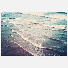 Ocean Waves by Kurt Rahn