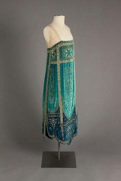 """ Callot Soeurs evening dress ca. 1926 From the Robert and Penny Fox Historic Costume Collection at Drexel University "" "" Callot Soeurs evening dress ca. 1926 From the Robert and Penny Fox Historic Costume Collection at Drexel University "" 20s Fashion, Art Deco Fashion, Fashion History, Vintage Fashion, Fashion Design, Edwardian Fashion, Edwardian Era, Female Fashion, Modern Fashion"