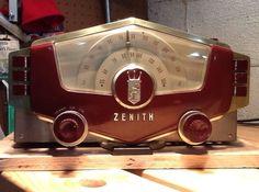Zenith AM/FM Mono Tube Radio