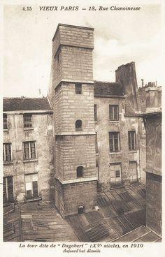 rue Chanoinesse - Paris 4ème - Tour carrée dite du Roi Dagobert, 18 rue Chanoinesse, en 1910, bien qu'elle fut démolie en 1908...