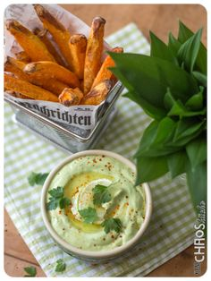 Bärlauch Avocado Dip Chutneys, Pesto, Dips, Avocado Dip, Soul Food, Guacamole, Vegan, Bbq, Cheese