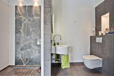 Natursten i duschen    Badrum - Sigtuna - Munkholmen