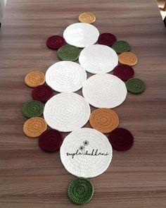 Crochet Hooks, Free Crochet, Knit Crochet, Crochet Crafts, Crochet Projects, Crochet Designs, Crochet Patterns, Crochet Carpet, Crochet Table Runner