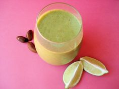 Anti aging pineapple banana green smoothie