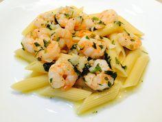 Creveti cu paste si sos Martini Bianco Caesar Pasta Salads, Caesar Salad, I Want To Eat, Martini, Cantaloupe, Menu, Favorite Recipes, Lunch, Dinner