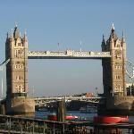London Images - Vacation Pictures of London, England Vacation Memories, Travel Memories, Top Travel Destinations, Amazing Destinations, London Bridges Falling Down, Travel Log, European Vacation, Tower Of London, Vacation Pictures