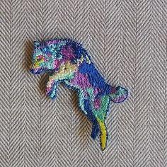H TOKYO オオカミ刺繍