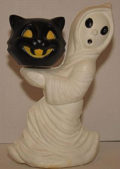 Here is a vintage Halloween blowmold. some small scuffs. they are part of the descrip. Halloween Blow Molds, Retro Halloween, Halloween Carnival, Halloween Celebration, Halloween Items, Halloween House, Halloween 2019, Spooky Halloween, Happy Halloween