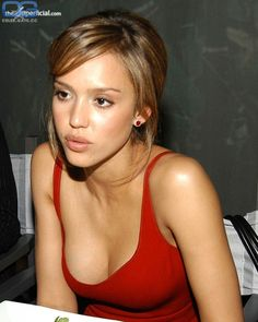 Nude pictures of Jessica Alba Uncensored sex scene and naked photos leaked. Jessica Alba Hot, Jessica Alba Style, Jessica Alba Makeup, Beautiful Celebrities, Beautiful Actresses, Jessica Alba Pictures, Jenifer Lawrence, Actress Jessica, Femmes Les Plus Sexy