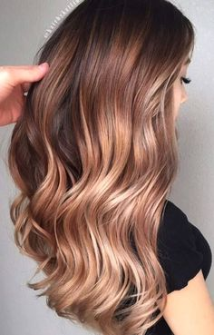 15 Catchy Fall Hair Styles and Color Ideas Ready for a new look? The reasons to consider fall hair vary. Try one of these fresh hair styles and colors, and always stay trendy, will you? Brown Ombre Hair, Brown Hair With Highlights, Light Brown Hair, Ombre Hair Color, Light Hair, Brown Hair Colors, Auburn Ombre Hair, Auburn Red, Auburn Balayage