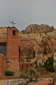 The Chapel In New Mexico That's Located In The Most Unforgettable Setting - The Monastery of Christ in the Desert In New Mexico Is Located In The Most Unforgettable Setting - Roswell New Mexico, New Mexico Usa, Abiquiu New Mexico, Ruidoso New Mexico, New Mexico Style, Chama New Mexico, New Mexico Road Trip, Travel New Mexico, Mexico Vacation