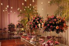 Candles always! Rose wedding . Mesa de doces