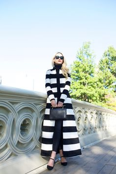 Alice And Olivia[[MORE]] Coat: Alice and Olivia (also love this stripe statement blazer). Shoes: Polo RL (similar). Fashion By Atlantic-Pacific Black White Fashion, Black White Stripes, Street Chic, Street Style, Cool Style, My Style, White Outfits, Look Chic, Autumn Fashion