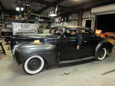 STYLISH KUSTOMS: Gilbert Robles 1941 Plymouth Kustom - A Work In Progress...