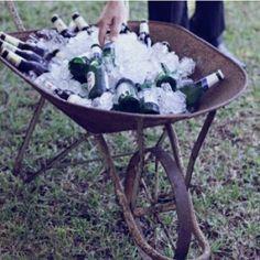 Criatividade é tudo!!! Adoro essas ideias para casamentos durante o dia e em locais abertos!!!