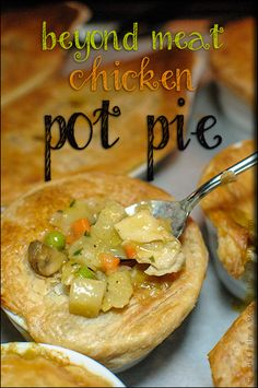 Beyond Meat Chicken Pot Pie with a Vegan Puff Pastry Topper by Aussie Bakery Vegan Pot Pies, Vegan Dishes, Vegan Vegetarian, Vegetarian Recipes, Vegan Food, Beyond Meat Chicken, Whole Food Recipes, Cooking Recipes, Quiche