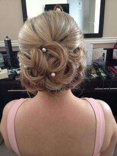 Soft curls for Sharon's Bridesmaid in 2014 styled by Helen Bridal Hair And Makeup, Wedding Makeup, Hair Makeup, Soft Curls, Latest Hairstyles, Knowledge, Bridesmaid, Wedding Make Up, Maid Of Honour