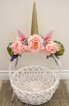 DIY Floral Unicorn Easter basket. #Easter #EasterBasket #Unicorn #floral #DIY
