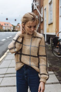 Scotty Sweater pattern by PetiteKnit - knitting patterns and other ideas Looks Style, Style Me, Knitting Designs, Knitting Tutorials, Sweater Weather, Pulls, Autumn Winter Fashion, Fall Fashion, Knit Fashion