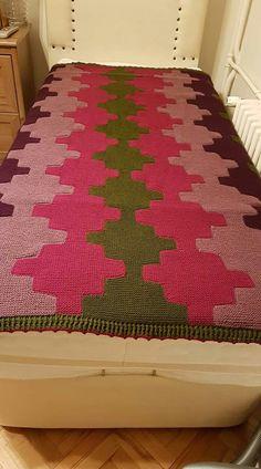 Knitting Squares, Baby Knitting Patterns, Knitting Stitches, Knitting Designs, Scrap Yarn Crochet, Knit Crochet, Crochet Carpet, Knitted Blankets, Diy And Crafts