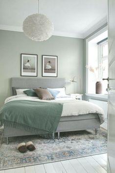 Green Bedroom Walls, Sage Green Bedroom, Bedroom Wall Colors, Bedroom Color Schemes, Green Rooms, Green Master Bedroom, One Bedroom Apartment, Small Room Bedroom, Room Decor Bedroom