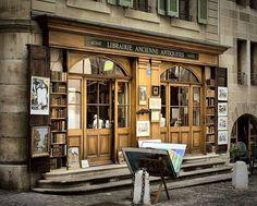 Librerie Ancienne Antiquités, France