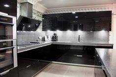 Cuines SANTOS   Model: MINOS negre lacat. Projecte by Area Cocinas http://www.areacocinas.com/