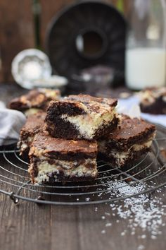 Bounty Brownies: Chewy Chocolate Cake with Coconut Cheesecake Filling | Das Knusperstübchen